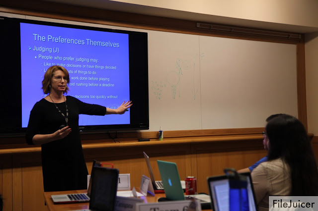 dartmouth writing center thesis A thesis or claim that declares the writer's position on the problem at hand an  acknowledgment of other perspectives a set of clearly defined.